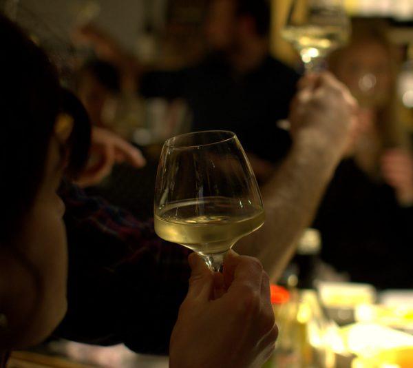 Dégustation vin apéro oenologique Cave des Beaux Arts oenofeel