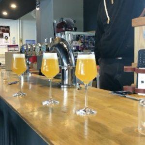 Dégustation de bière blonde IPA par la Cave des Beaux Arts