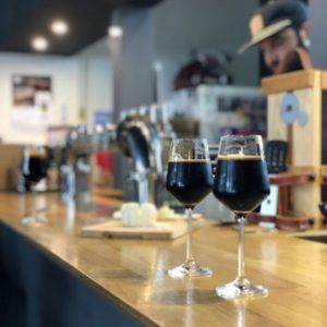 Dégustation bière porter noire Brasserie des Sagnes par Cave des Beaux Arts