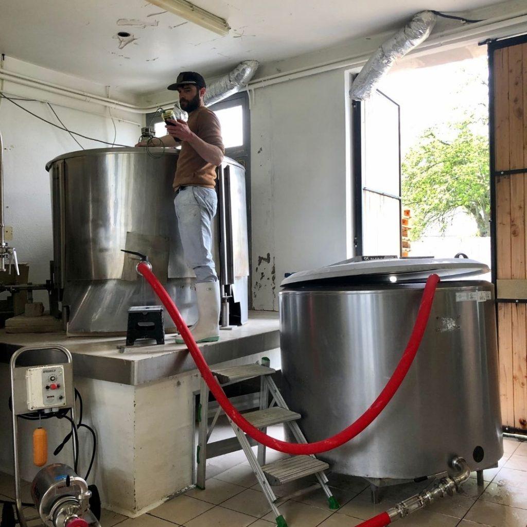 Vérification température cuve bière brasserie des sagnes oenofeel